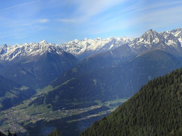 Panoramablick vonm Balkon der Hütte!