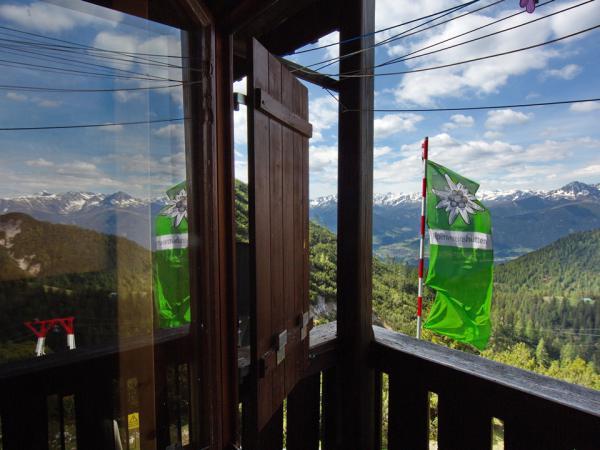 Nicht weniger eindrucksvolle ist der Blick aus dem Zimmerfenster!