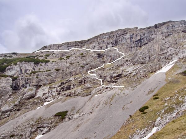 Die Linie zeigt in etwa den Verlauf des Stiftensteiges welcher vom Wörgetal zum Solstein und dem Solsteinhaus führt.