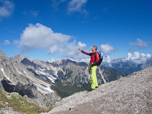 Links die Freyungen, im Hintergrund die Seefelderspitze nahe der Nördlingerhütte!