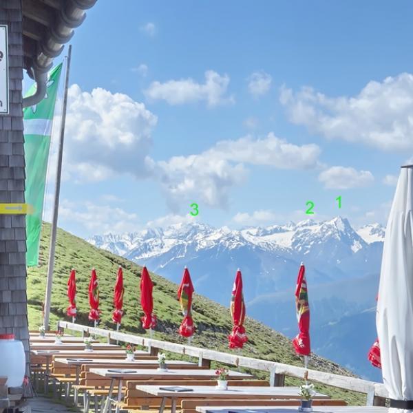 Die wunderschön gelegene Nördlichgerhütte-im Hintergrind die Stubaier Berg rund um die Franz Senn Hütte. 1 Lüsenser Fernerkogel 2 Schrankogel 3 Ruderhofspitze